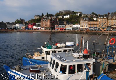 Oban � overlooking the bay to the shops